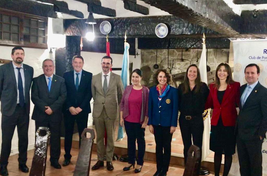Cena con la asistencia d la Gobernadora de Distrito 2201 Dña Ana Isabel Puerto Prado