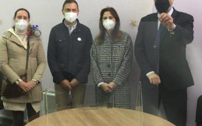 EL RC DE PONTEVEDRA RECIBE DE LA FUNDACION ROTARIA 100 MAMPARAS ANTI COVID19